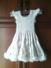Продам вязаное платье от 2 до 4 лет
